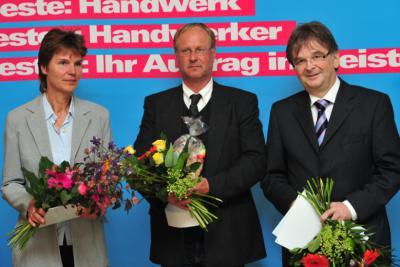 """Bild der Meldung: Reiterhof Pferdeland Münchehofe mit dem Preis """"Betriebe und Schulen für Berufsorientierung"""" geehrt"""