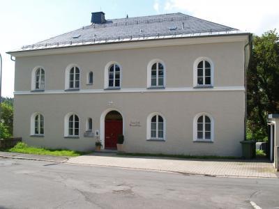 Foto zur Meldung: Einweihung des evang. Pfarrhauses nach den Renovierungsarbeiten