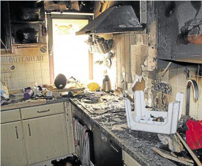 Foto zur Meldung: Schwelbrand macht Haus unbewohnbar