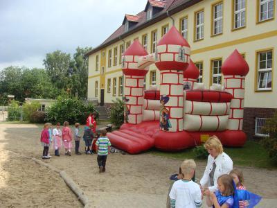 """Foto zu Meldung: 1. Ritterfest der Burg """"Turtle Hill"""" in Rehfelde"""