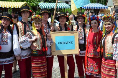 Die 13. Internationale Folklorelawine rollte durch die Region