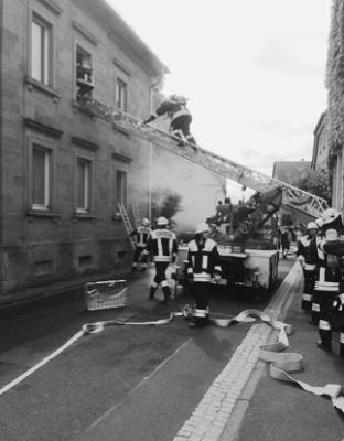 Foto zur Meldung: Gemeinschaftsübung der Feuerwehren Biebelried, Kaltensondheim, Mainstockheim, Sulzfeld und Westheim am 15. Juni 2013