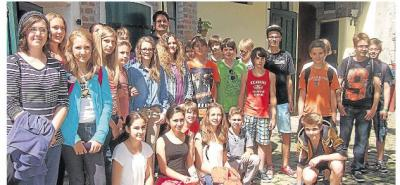 Foto zur Meldung: Schüler bestaunen Saurier der Urzeit im Aartal-Museum Oberneisen