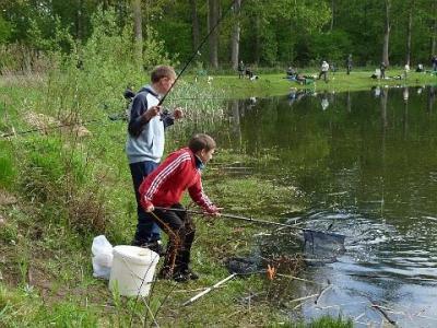Foto zur Meldung: Projektwoche am Vereinsgewässer