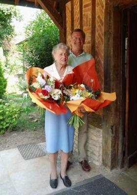 Foto zur Meldung: Gratulation zum 94. Geburtstag von Mme. Gerningon
