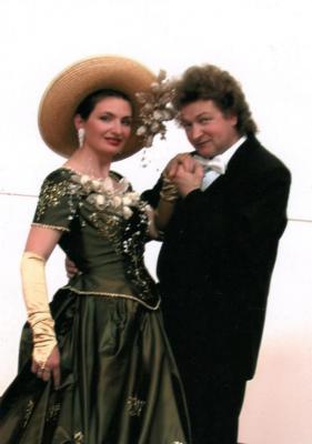 """Senftenberger Wein und Operettenklänge – Schlosshofkonzert mit """"Gala Romantica"""" in der Festung Senftenberg"""