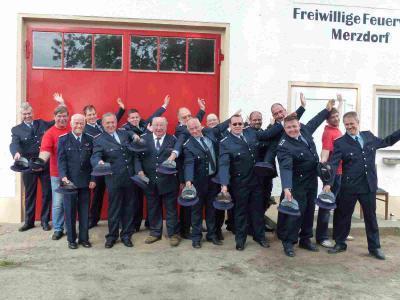 Foto zu Meldung: Merzdorf blickt auf 650 und die Feuerwehr auf 100 Jahre