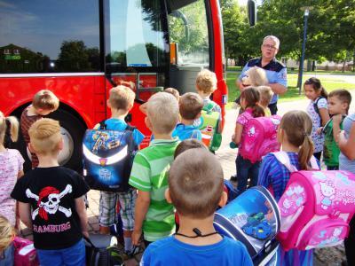 Foto zur Meldung: Busschule in Golzow
