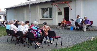 Foto zu Meldung: Abendmusik auf dem Dorfanger in Zinndorf