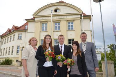 Foto zur Meldung: Neue Auszubildende in Kreisverwaltung begrüßt