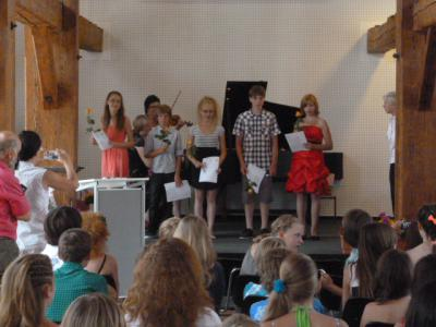 Foto zur Meldung: Feierliche Zeugnisübergabe für unsere Sechstklässler