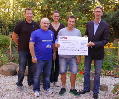 Foto zur Meldung: Spende in Höhe von 4200 Euro an das Hospiz am Klinikum Südstadt übergeben