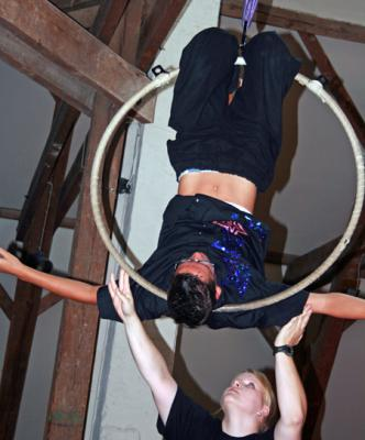 Vorschaubild zur Meldung: Kennenlernen mit Zirkusprojekt zur Teambildung