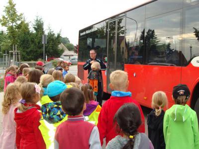Foto zu Meldung: Busschule für Erstklässler