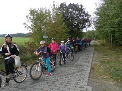 Foto zur Meldung: Wandertag der Klasse 6 mit dem Fahrrad