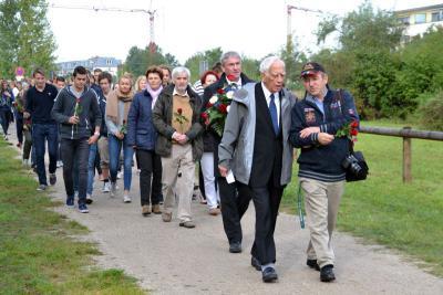 Foto zur Meldung: Begegnung im Falkenseer Geschichtspark