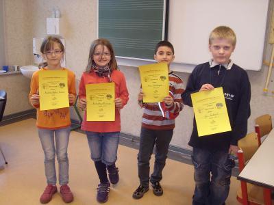 Foto zur Meldung: Sieger der Matheolympiade Klasse 1 und 2