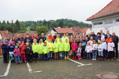 Foto zu Meldung: Feuersalamander aus Wenings belegen 2. Platz bei Bambini-Spielen