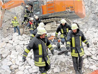 Foto zur Meldung: Chemieunfall im  Kalkwerk Schaefer