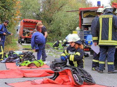 Foto zur Meldung: Rettungseinsatz im Kalkwerk