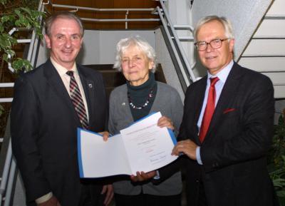 Foto zu Meldung: Ehrennadel des Landes Rheinland-Pfalz für Dorothea Kuhn
