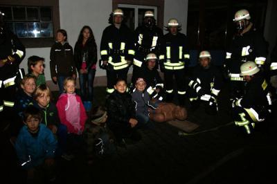 Foto zu Meldung: Fiktiver Brand bei Schreinerei in Wenings