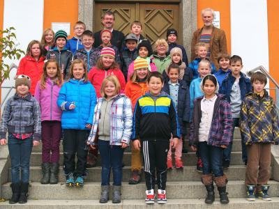 Foto zur Meldung: Viertklässler lernen Röslauer Rathaus kennen