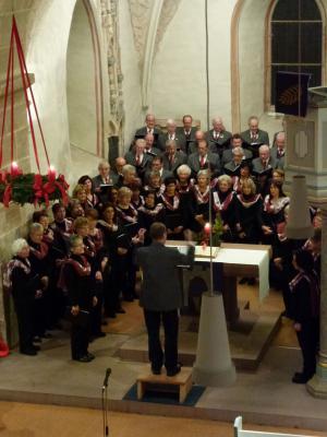 Foto zur Meldung: Adventskonzert 2013 in der Mauritiuskirche Projektchor
