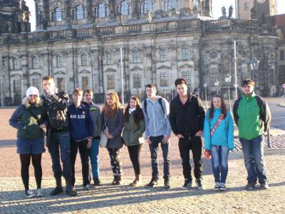 Foto zur Meldung: Klasse 10 besucht den Landtag