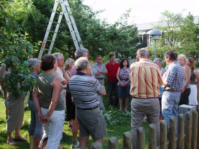 Foto zur Meldung: Baumveredelungskurs mit Kreisfachberater Torsten Mierswa