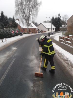 Foto zur Meldung: Ölspur in Schönermark