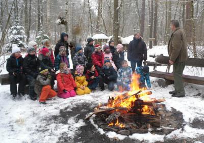 Foto zur Meldung: Waldschulbesuch  mit Winterwanderung