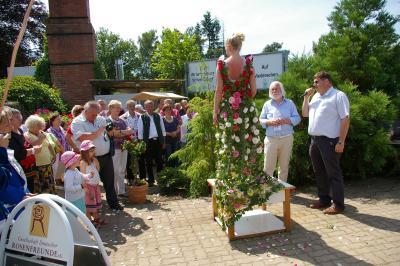 Foto zur Meldung: Zu Ehren einer Königin: Wittstock feierte erstes Rosenfest