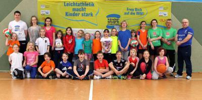 Foto zur Meldung: Laager Laufgruppe macht Kinder stark