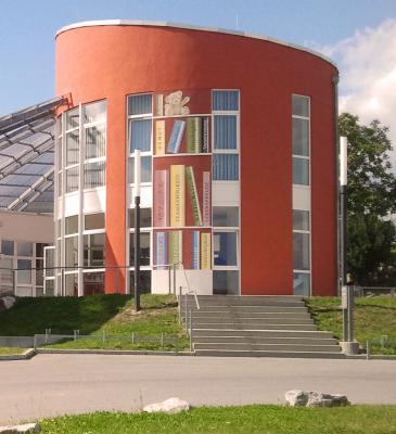 Gemeinde-Bücherei beim Kindergarten