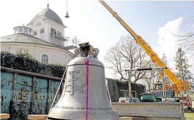 Foto zu Meldung: Neue Glocken sind im Turm angekommen