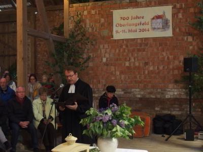 Foto zu Meldung: Frauenchor und MGV sangen im Gottesdienst 700- Jahr-Feier Oberlengsfeld