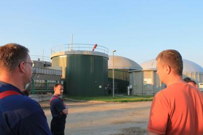 Foto zur Meldung: Kameraden der Löschgruppe Gransee Besuchen die Biogasanlage in Kraatz
