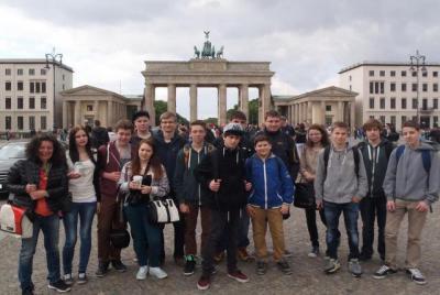 Foto zur Meldung: GS/MS SCHONDRATAL: Abschlussfahrt der 9. Klasse nach Berlin
