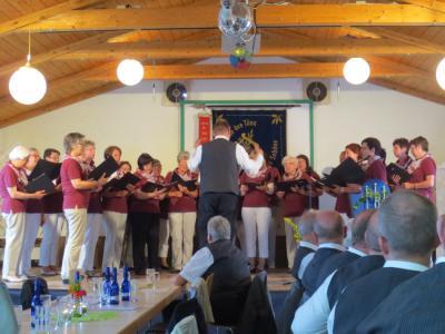 Foto zur Meldung: Teilnahme des Frauenchors und MGV am Liedernachmittag des Gesangvereins Nüst