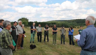 Vorschaubild zur Meldung: Naturkundliche Exkursion besuchte Beweidungsprojekt Greimerath