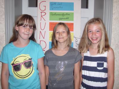 Foto zur Meldung: Fritz-Reuter-Preis für drei Schülerinnen