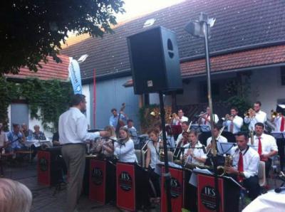 Foto zur Meldung: Begeisternder Auftritt der IKS Big Band und Ralf Hesse
