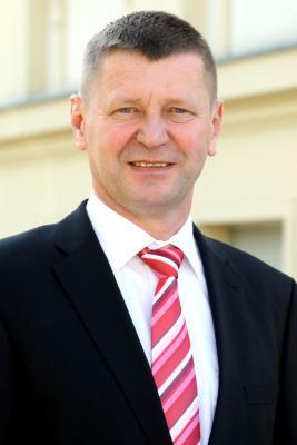 Foto zur Meldung: Landrat Siegurd Heinze zur Sonderbedarfszuweisung des Ministeriums des Innern aus dem Ausgleichsfonds gemäß §16 BbgFAG