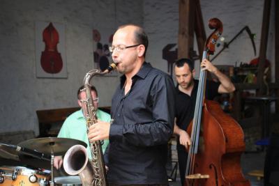 """Foto zur Meldung: Grandioses Konzert mit Oliver Leicht und Band bei """"Live im Hof"""""""