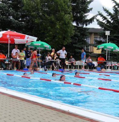 Foto zur Meldung: 3. Tröbitzer 24-Stunden- Schwimmen 2014
