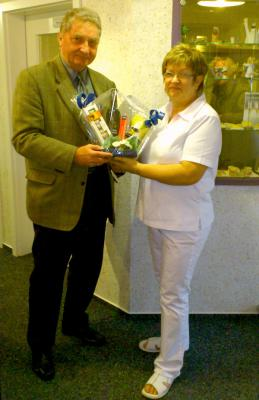 Foto zur Meldung: Der Zahnärzteverein gratuliert zum Ruhestand