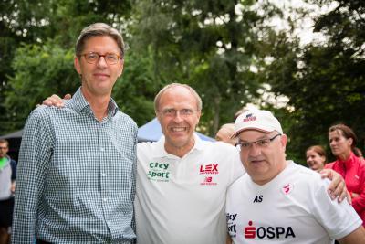 Foto zur Meldung: Rostocks Sportler erliefen 7500,00 Euro für das Hospiz