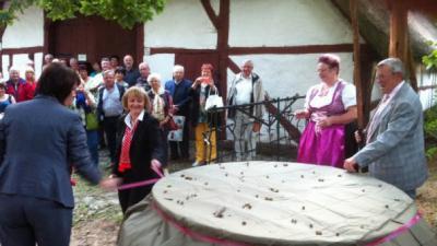 Foto zur Meldung: Ziehbrunnen eingeweiht