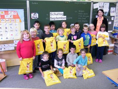 Foto zur Meldung: Die Röslauer Gemeindebücherei überrascht die ABC-Schützen